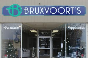 wall-mounted-storefront-signage-bruxvoorts