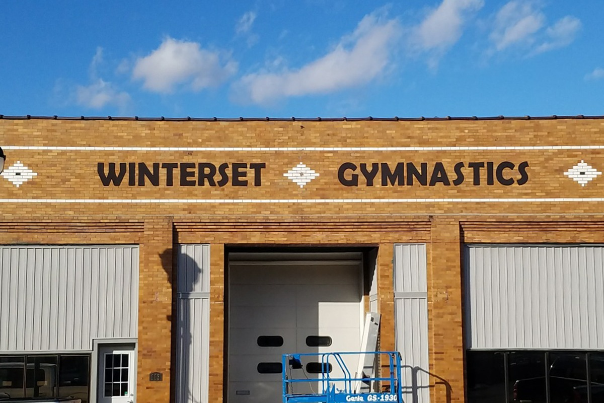 wall-mounted-storefront-signage-winterset-gym