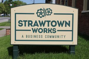 freestanding-storefront-sign-strawtown-works-2019-web