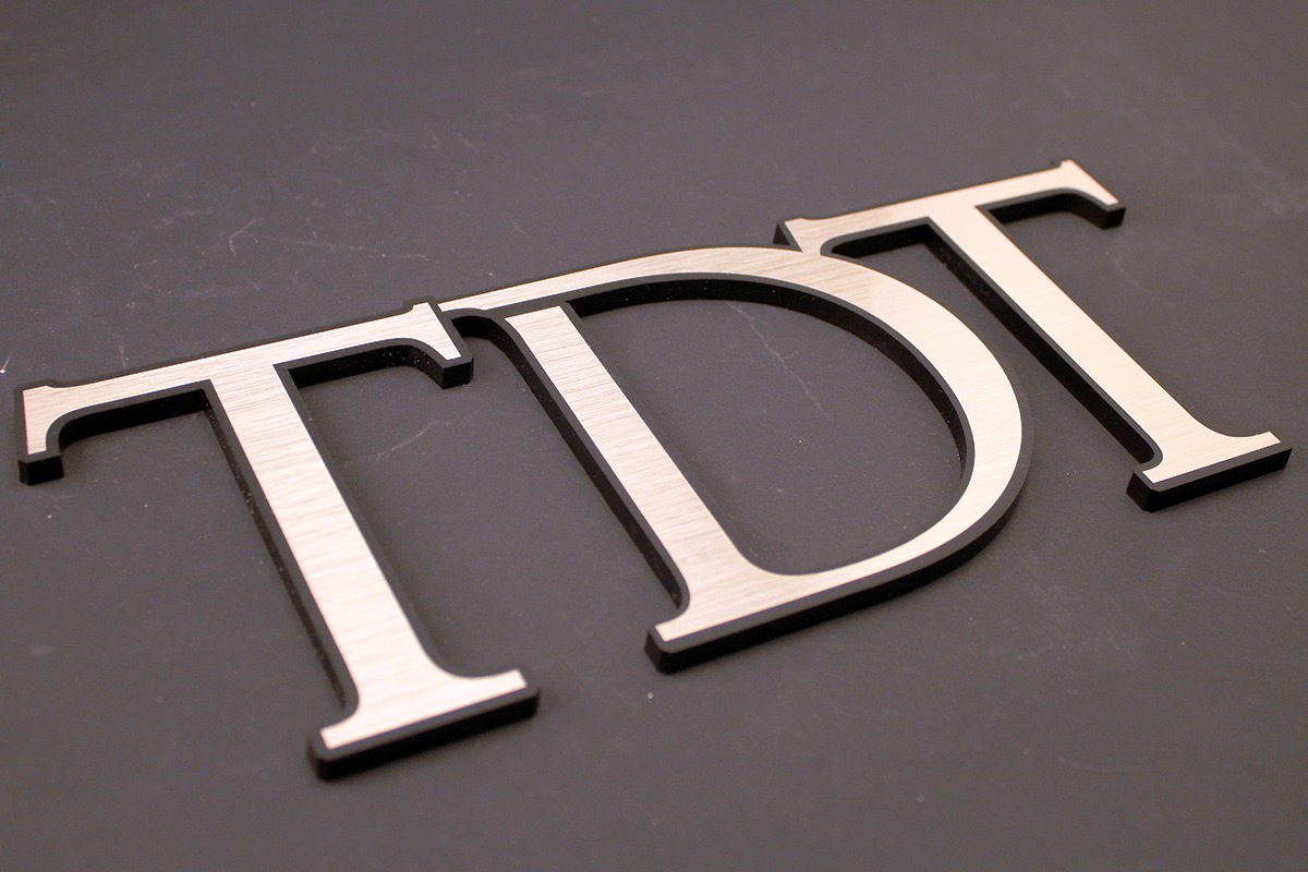 laser-engraving-marking-tdt-letter-shapes-web