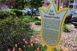 metalphoto-plaque-irregular-edge-memorial-garden-web