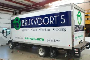 vehicle-graphics-bruxvoorts-box-truck-web