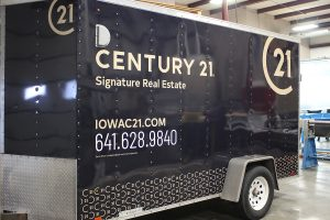 vehicle-graphics-century-21-trailer-web
