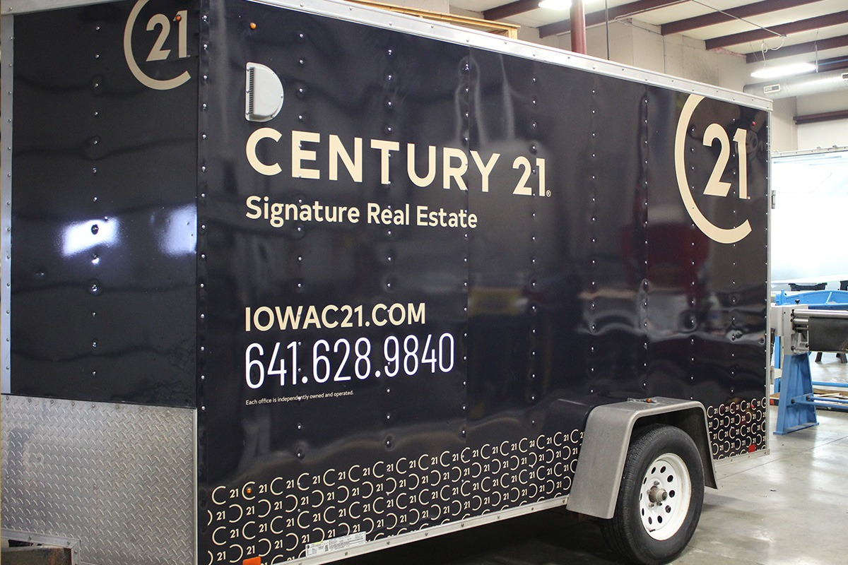 vehicle-graphics-century-21-trailer-web