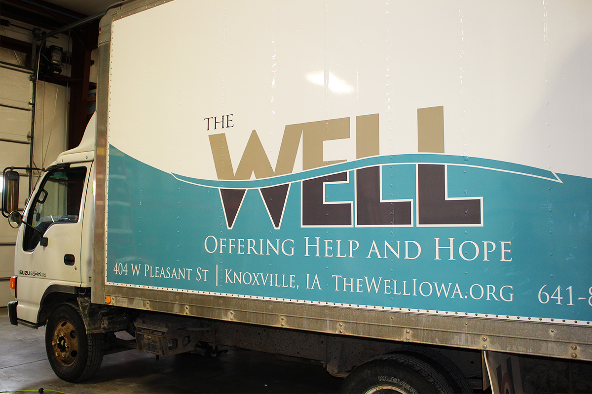 vehicle-graphics-the-well-box-truck-web